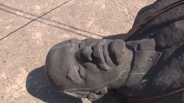 Вподконтрольной «ДНР» Макеевке взорвали монумент Ленину