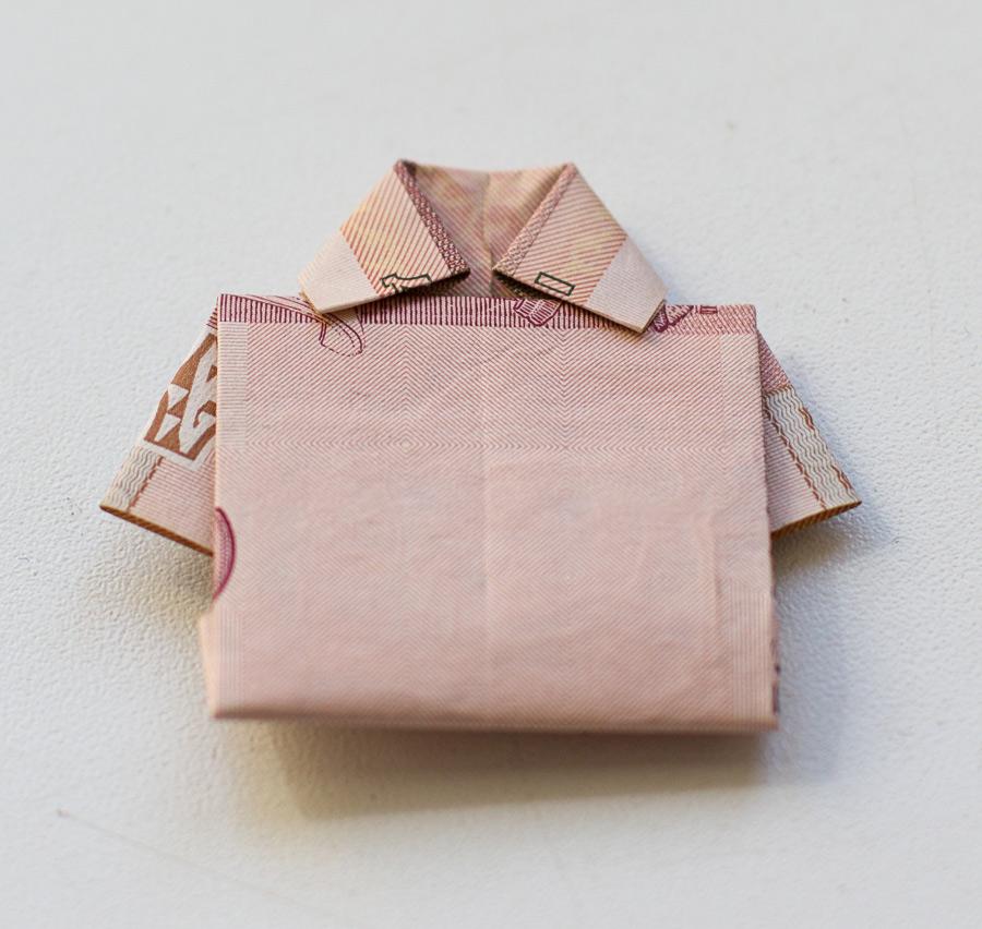 Оригами: Рубашка из денежной купюры